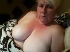 Karen is a big amateur mature golden-haired that loves playing with her fat pussy