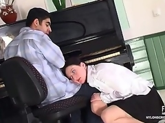 Cutie in barely visible nylons vitiating pianist into dong-riding games