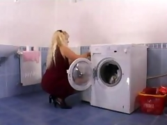 Progenitrix Driving Wildly Anent Be transferred to Laundryroom